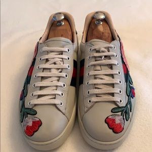 Gucci Ace Floral Embroidered Sneakers Cream Tan